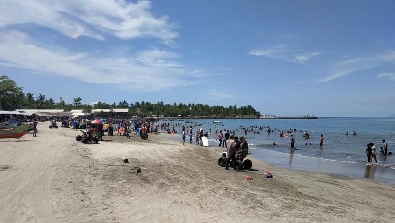 Pesona Wisata Pantai Anyer yang Memukau